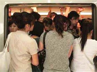 深圳地铁到底哪条线最挤?终极吐槽来了!-咚咚地产头条