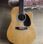 白菜价转一把闲置吉他,还很新,DVD光驱随吉他一起赠送