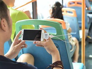 在公交上手机外放音乐的人不知什么心态